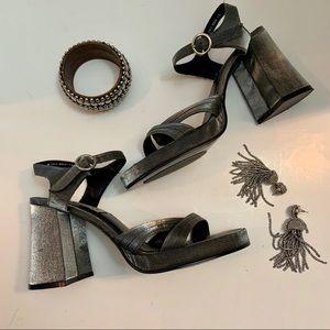 American Eagle Platform Heel Gray Sandals Size 9